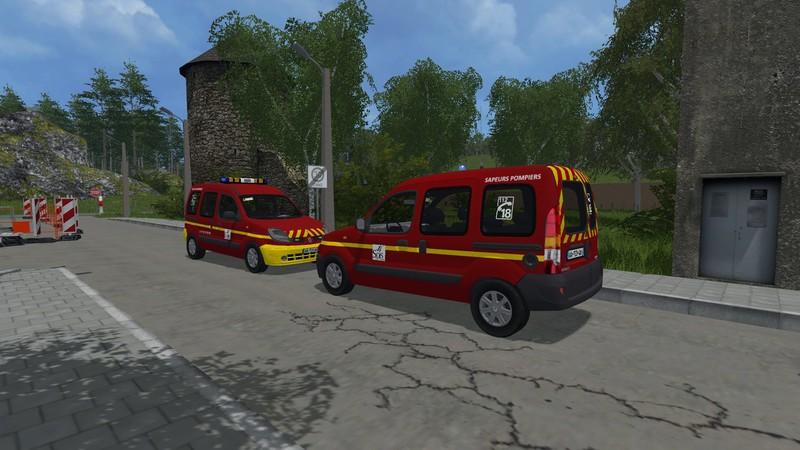 renault kangoo v 1 0 fs 2015 farming simulator 2017 2015 15 17 ls mod. Black Bedroom Furniture Sets. Home Design Ideas